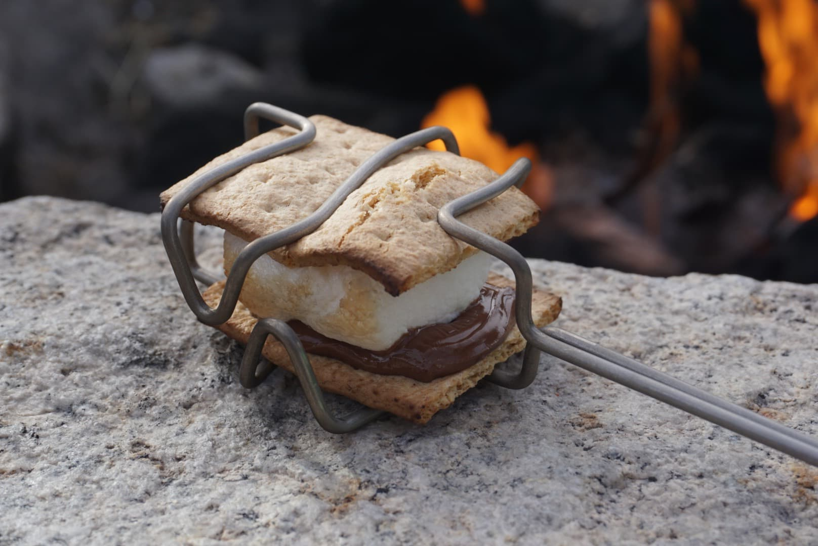 Professional Camping STRATOS'MORES S'more Roaster
