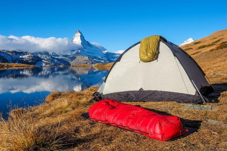 sleeping-nag-with-tent