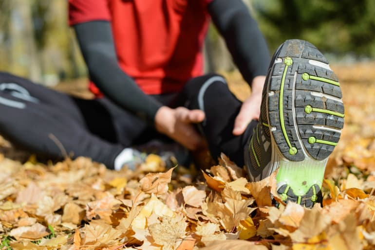 How to Choose the Best Walking Shoes - Foot Pain
